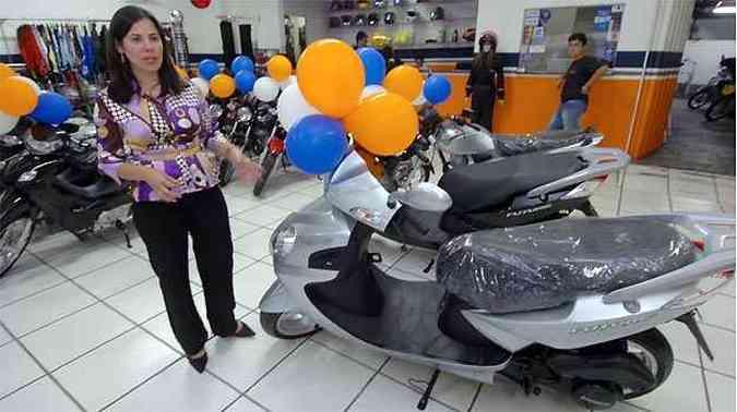 Gerente da concessionária Minas e Trilhas, Zannuzi Cavalcanti assegura que motos compradas na revenda não ficarão sem garantia(foto: Jair Amaral/EM/D.A PRESS)