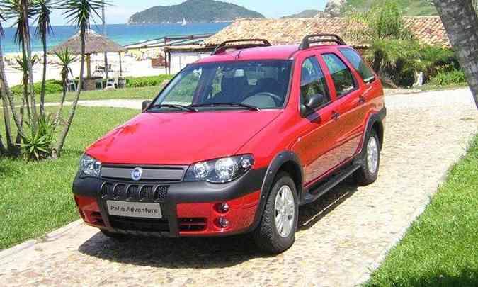 Em 2004, mais uma reestilização, com novos elementos na dianteira(foto: Fiat/Divulgação)