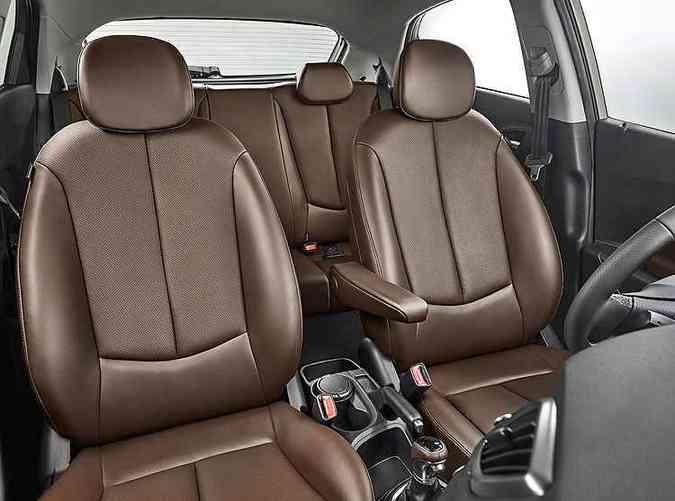 Interior em couro marrom é opcional da versão Premium(foto: Wagner Menezes/Hyundai/Divulgação)