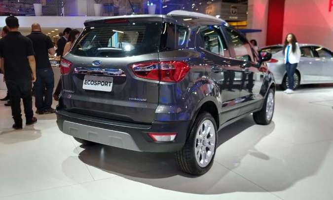O EcoSport sem o estepe na traseira e com tecnologia Run Flat Tire também não demora a chegar(foto: Ford/Divulgação)