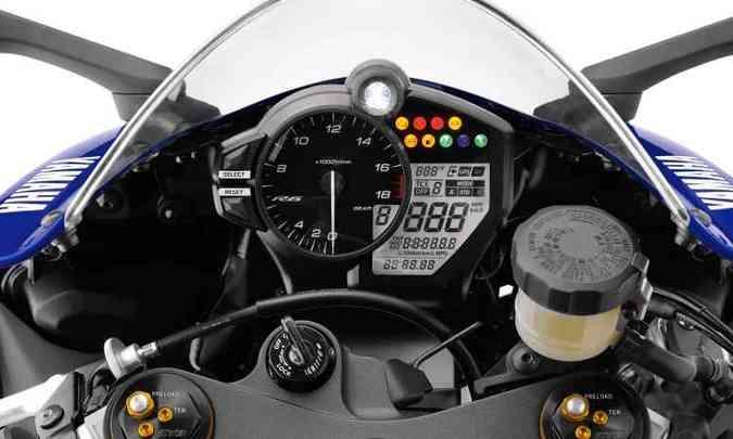 A eletrônica tem modos de pilotagem e controle de tração(foto: Yamaha/Divulgação)