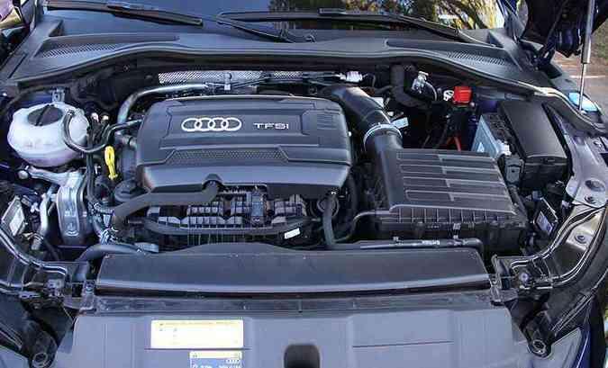 Motor 2.0 de 230cv cumpre muito bem a sua missão(foto: Marlos Ney Vidal/EM/D.A Press)