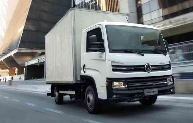 Caminhão, que tem rodagem simples, pode ser conduzido por motoristas que possuem CNH na categoria B. Foto: Volkswagen / Divulgação -