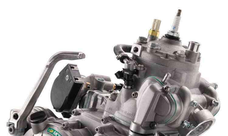 O compacto motor do tipo dois tempos agora é equipado com injeção eletrônica - KTM/Divulgação