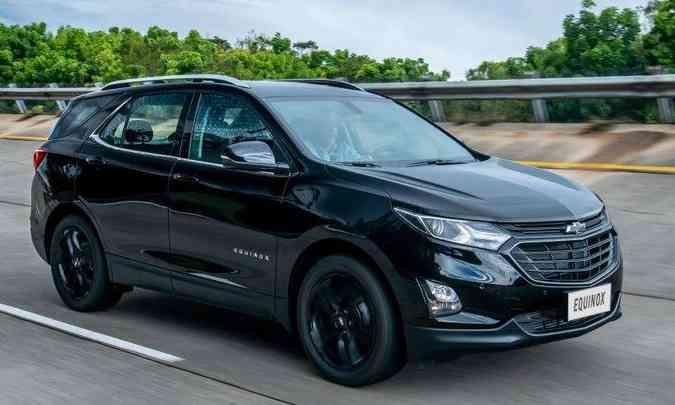 Versão Midnight tem a carroceria pintada em preto e acabamento escurecido na grade dianteira e na gravata símbolo da marca(foto: Chevroletr/Divulgação)