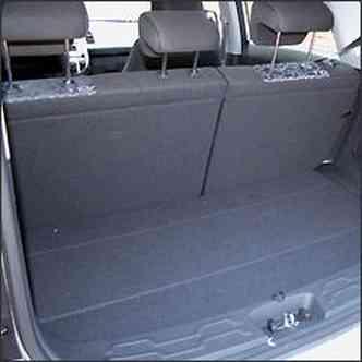 No porta-malas, cabem apenas 340 litros
