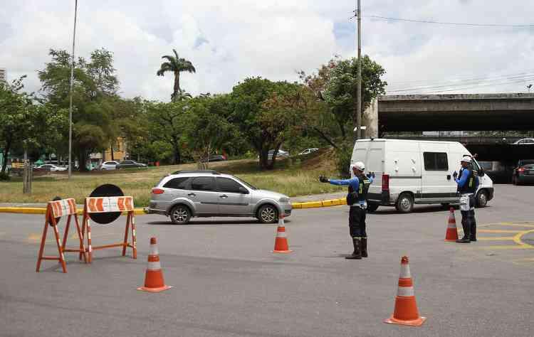As duas infrações mais comprometidas em três anos estão relacionadas à velocidade  - Júlio Jacobina / DP