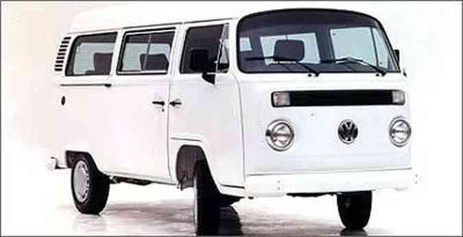 Em 1997, o modelo ganhou portas corrediças, que já a equipava na Europa desde 1967(foto: Volkswagen/Divulgação)