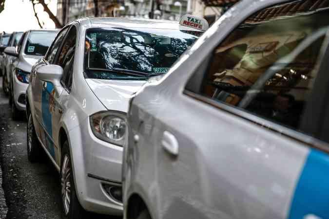 Na dúvida, é melhor optar por chamar na ida e volta um táxi ou motorista de aplicativo, principalmente se for beber (foto: Paulo Paiva/DP.)