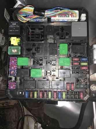 Conectores, fusíveis e relés devem ser limpos, secos e avaliados(foto: André Fagundes/Divulgação)
