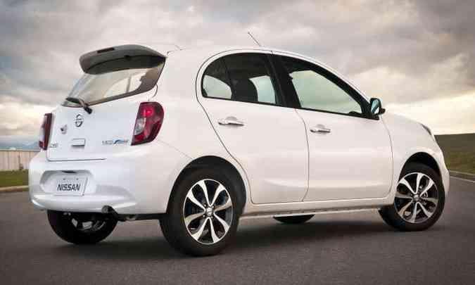 Versões equipadas com o CVT Xtronic tem acréscimo de R$ 4.800 em média(foto: Nissan/Divulgação )