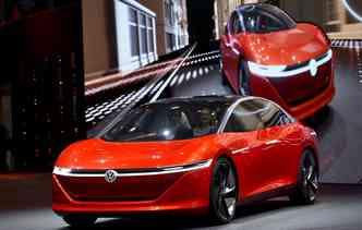 Volkswagen I.D. mostra o futuro dos carro autônomos, sem volante e sem pedais. Foto: Fabrice Conffrini / AFP