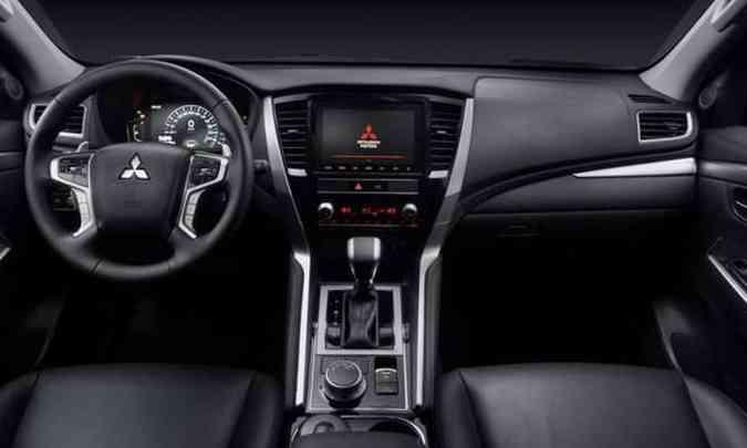 Destaque no interior do novo SUV é o sistema multimídia com tela de oito polegadas sensível ao toque(foto: Mitsubishi/Divulgação)