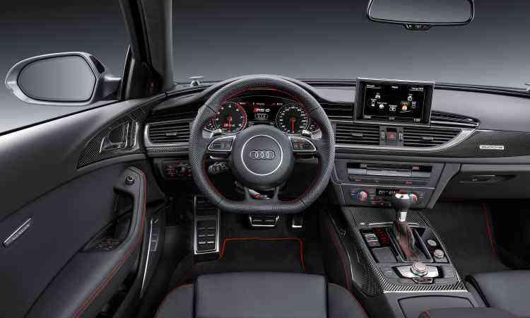 O interior é sofisticado, com acabamento de boa qualidade e muita tecnologia disponível - Audi/Divulgação