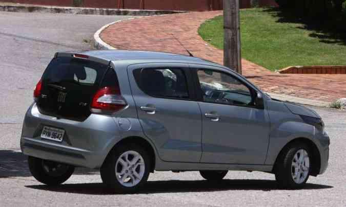 O Fiat Mobi tem a tampa traseira feita com vidro de alta resistência(foto: Edésio Ferreira/EM/D.A Press)
