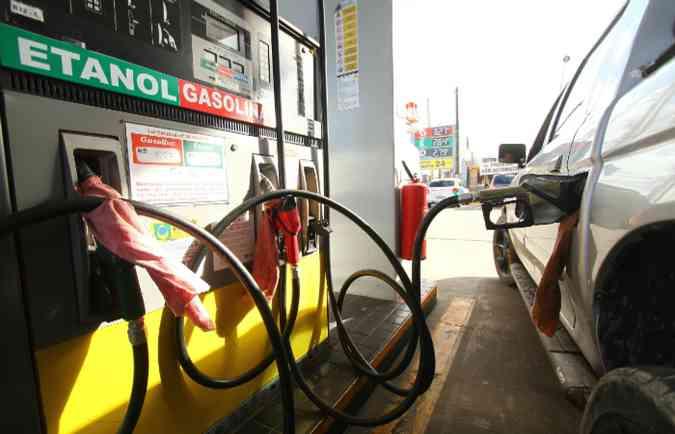 É preciso esclarecer certas dúvidas antes de escolher o combustível ideal(foto: Peu Ricardo/ Esp. DP)