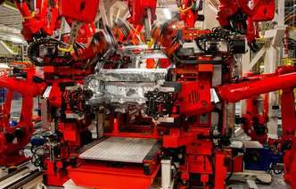 Fábricas operam com metade da capacidade(foto: Jeep / Divulgação)