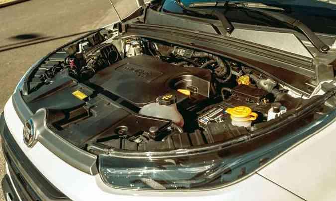 Motor 2.0 turbodiesel não reage bem em baixas rotações, mas, com o giro alto, fica mais esperto(foto: Jorge Lopes/EM/D.A Press)