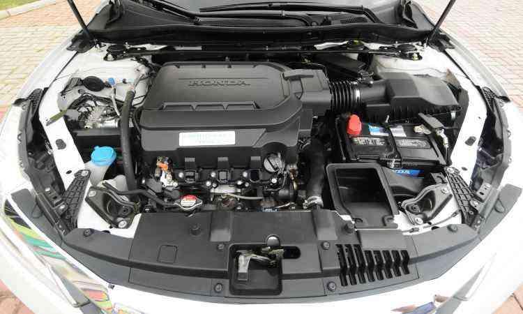 Honda traz apenas versão EX equipada com motor V6 de 3.5 litros, verdadeira usina de força de 280cv - Jair Amaral/EM/D.A Press