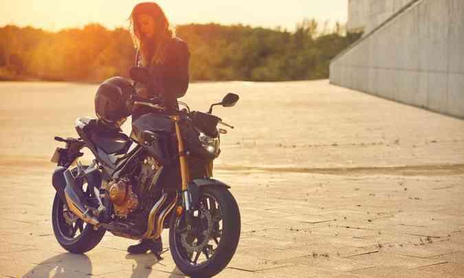 A naked CB 500Ftem utilização voltada exclusivamente para o asfalto(foto: Honda/Divulgação)