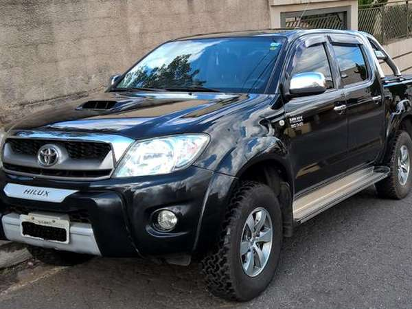 Toyota Hilux CD Srv D4-d 4x4 3.0  Tdi Dies 2010 R$ 74.000,00 MG VRUM