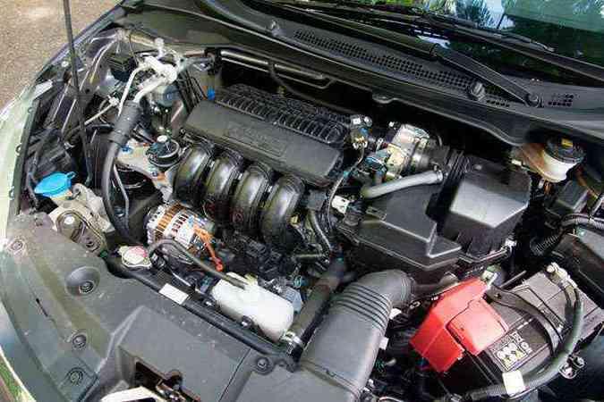 Motor 1.5 rende até 116 cavalos, mas com 6.000 rpm(foto: Thiago Ventura/EM/D.A Press)
