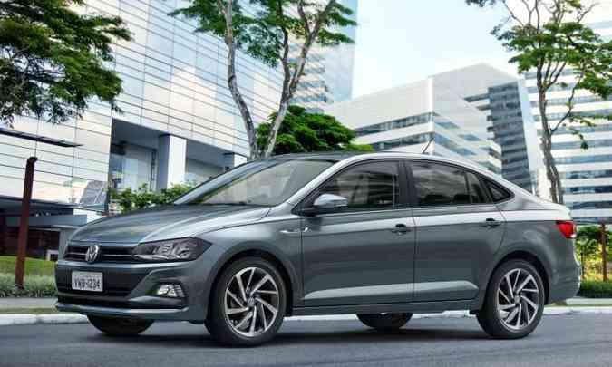 Volkswagen Virtus usa a mesma plataforma e conjunto mecânico do Polo, mas é maior, com porta-malas de 521 litros(foto: Volkswagen/Divulgação)