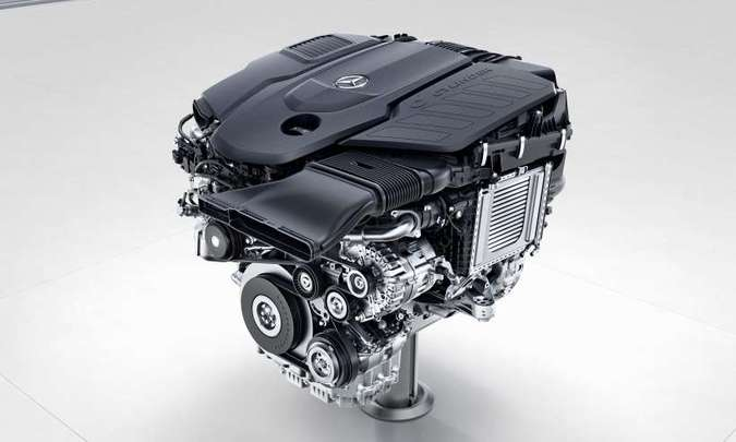 O motor de 3.0 litros, um seis cilindros em linha, desenvolve 330cv e 71kgfm de torque(foto: Mercedes-Benz/Divulgação)