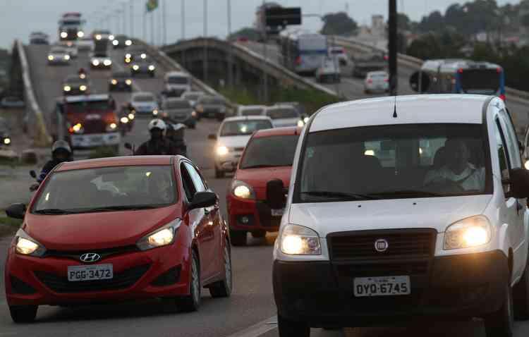 Brasil possui mais de 51 milhões de veículos; 8 milhões circulam apenas com o motorista. Foto:  Rafael Martins/ Esp. DP -  Rafael Martins/ Esp. DP