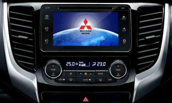 Sistema Multimídia Power Touch traz tela de 7 polegadas(foto: Mitsubishi/Divulgação)