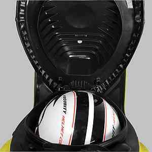 O porta-malas tem pouco espaço e <br> acomoda apenas um capacete aberto - Suzuki/Divulgação