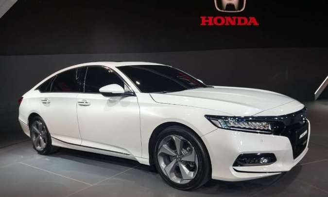 O sedã com linhas de cupê, Honda Accord, marca presença no Salão(foto: Pedro Cerqueira/EM/D.A Press)