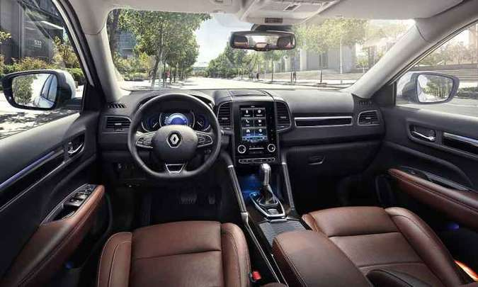 Tela vertical de 8,7 polegadas é destaque no painel do Renault Koleos(foto: Renault/Divulgação)