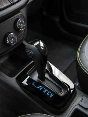 O câmbio automático de seis marchas proporciona trocas suaves, sem trancos - Chevrolet/Divulgação