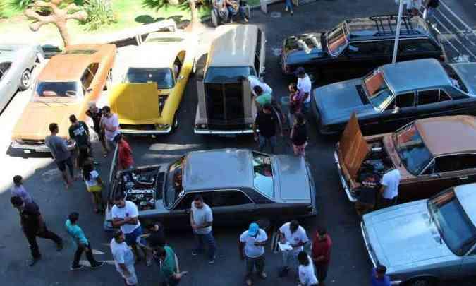Divulgação/Barreiro Opala Clube(foto: Encontros de Opala ganham tradição no Via Shopping Barreiro)