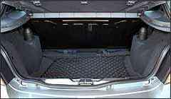 Porta-malas tem novo bagagito e rede para pequenos objetos -