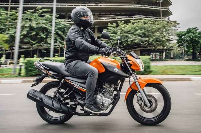 O modelo ED tem freio a disco na roda dianteira e rodas de liga leve Yamaha/Divulgação