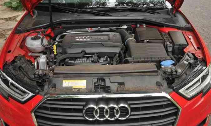 Com seus 220cv, o motor 2.0 TFSI garante desempenho empolgante(foto: Jair Amaral/EM/D.A Press)