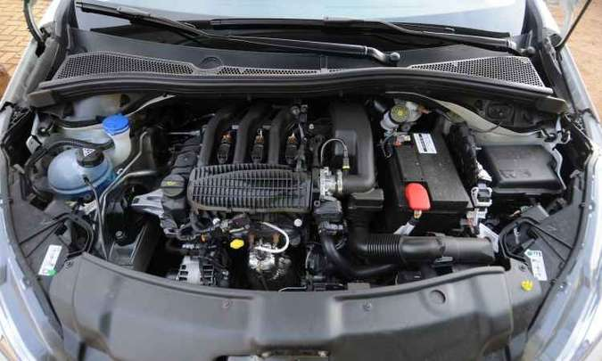 Motor de baixa cilindrada proporciona bom desempenho e aumenta autonomia pelo baixo consumo(foto: Ramon Lisboa/EM/D.A Press)