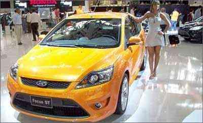 Ford mostra o Focus ST, que serve para promover a nova geração do modelo médio -