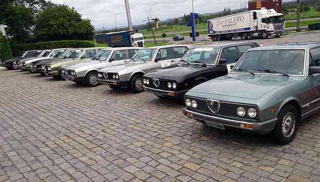 Sete modelos 2300 vão percorrer todos os 2.300 km da viagem - Túlio Silva/Alfa Romeo Clube MG/Divulgação