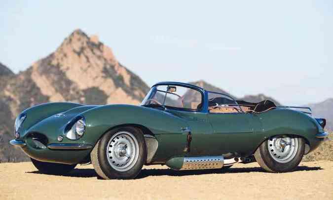 O Jaguar XKSS é a versão de rua do D-Type, modelo que competiu nas pistas entre 1954 e 1956 e chegou a vencer em LeMans(foto: Jaguar/Divulgação)