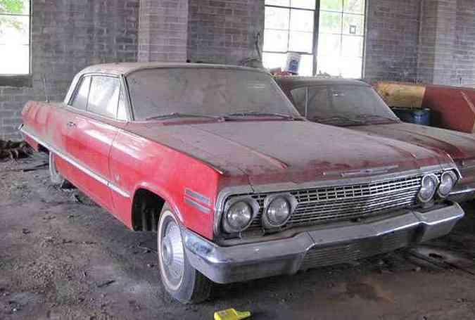 Chevrolet Impala 1963 com motor V8 e transmissão automática: segundo mais caro no leilão: US$97,5 mil(foto: VanDerBrink Auctions/Divulgação)
