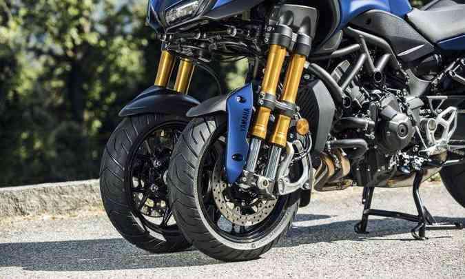 Dois amortecedores invertidos em cada roda dianteira(foto: Yamaha/Divulgação)