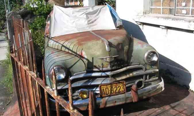 Se em tempos de quarentena seu carro ficar muito tempo parado na garagem, vai precisar de alguns cuidados(foto: Enio Greco/EM/D.A Press)