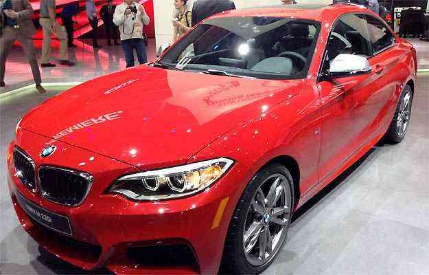 BMW SÉRIE 2 Substituta da Série 1, a Série 2 chega ao Brasil este ano. São três versões do cupê. A topo de linha, por exemplo, atinge 100km/h em apenas 4,8 segundos - Marcus Celestino/EM/D.A PRESS
