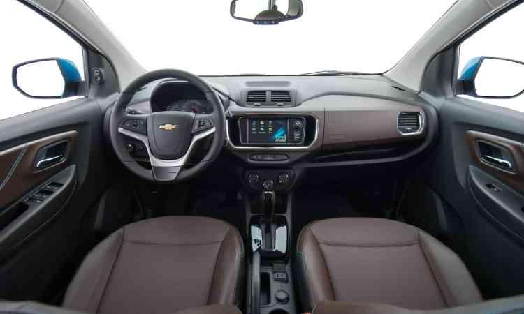 O interior tem acabamento de boa qualidade e conta com a central multimídia MyLink - Chevrolet/Divulgação