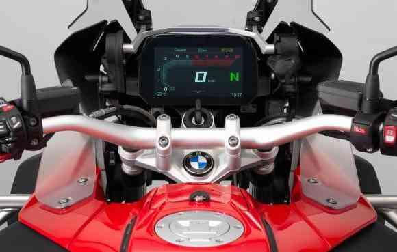 Painel de 6,5 polegadas com alta definição chamado TFT - BMW/ Divulgação