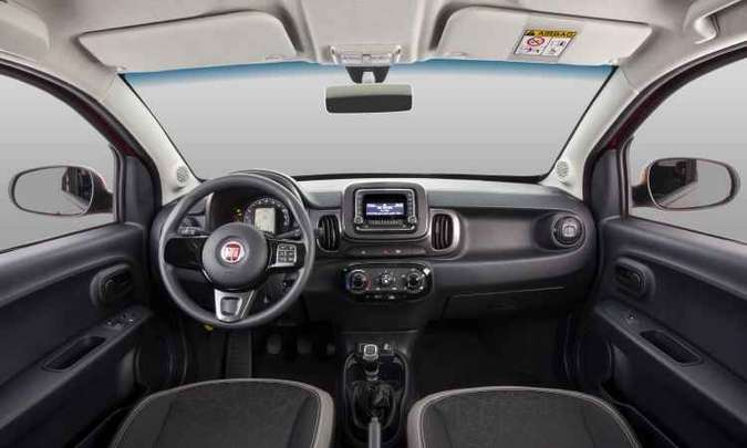 Volante agrupa alguns comandos de som(foto: Fiat/Divulgação)