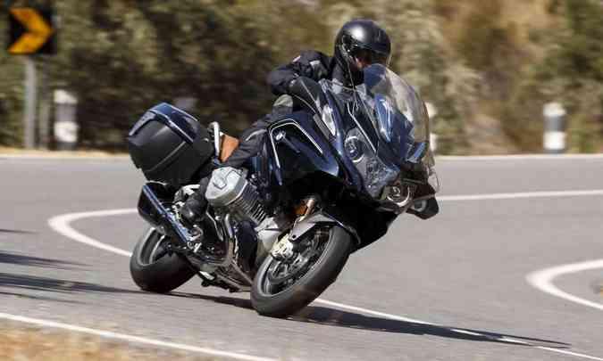 O motor boxer de dois cilindros entrega 126cv de potência(foto: BMW/Divulgação)